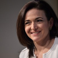 PHILIPS signs deal, AMAZON acquires 91,000 employees and UBER targets Sheryl Sandberg